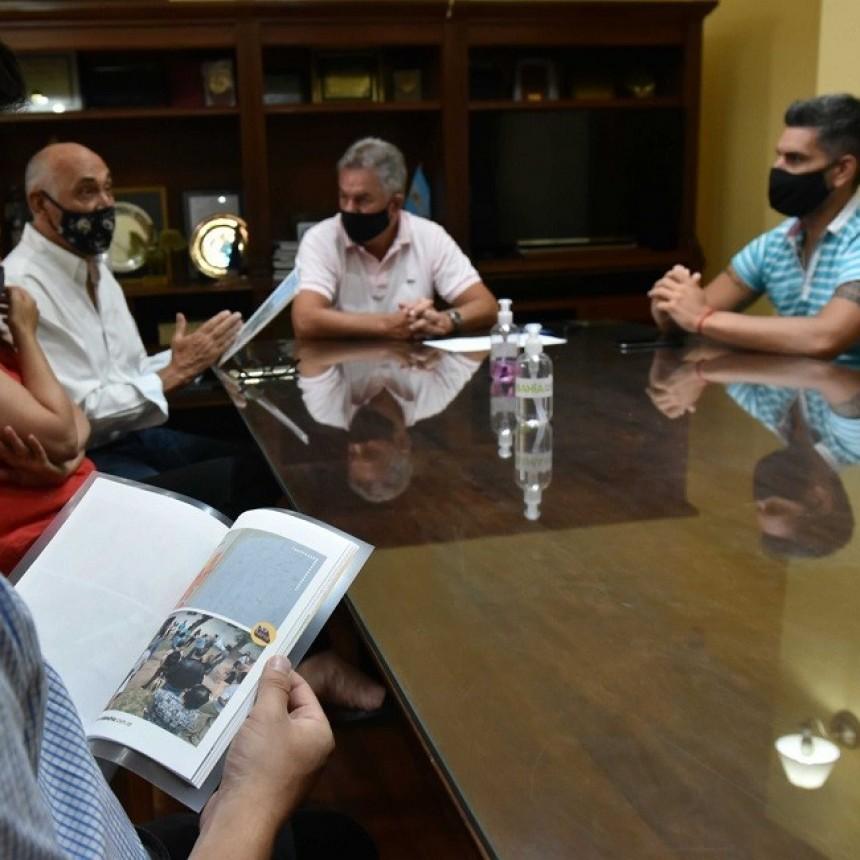 EN BAHÍA BLANCA SE ENTREGARON AL COLEGIO DE ARQUITECTOS LAS RECOMENDACIONES CIUDADANAS PARA RENOVAR EL PARQUE INDEPENDENCIA