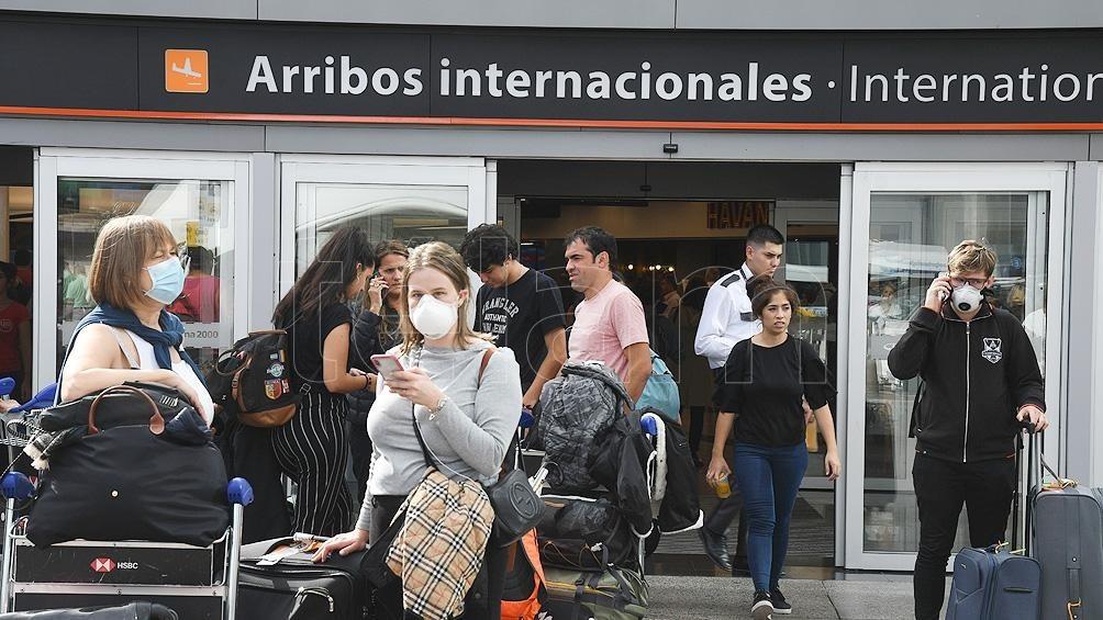 POR NUEVAS CEPAS, QUEDAN SUSPENDIDOS DESDE EL SÁBADO LOS VUELOS DE BRASIL, CHILE Y MÉXICO