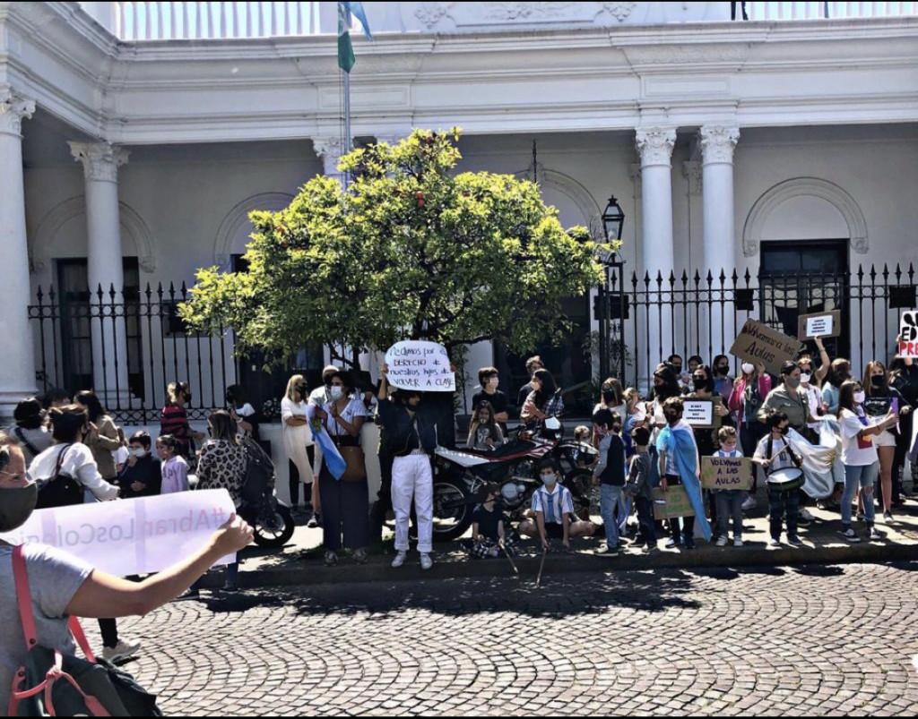 EL VECINALISMO DE SAN ISIDRO PROPONE LA VUELTA A CLASES PRESENCIALES